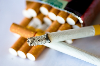 親の喫煙が影響で子どもの歯周病リスク増大の恐れ。